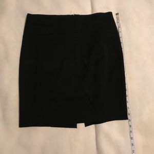 Express suit skirt size 4 in black
